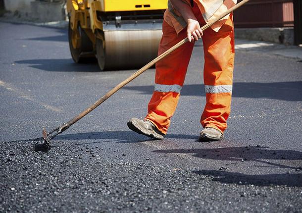 В Курске ремонтируют дороги